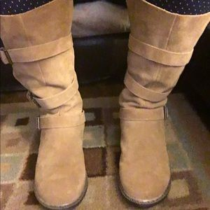 American Eagle suede boots